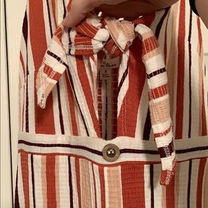 Love Tree Dresses - Peekaboo mid-length dress 🤗
